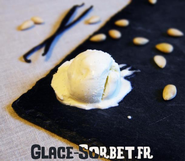 Glace au mascarpone, sirop d'orgeat et vanille